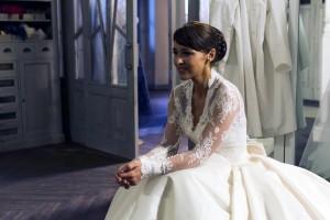 Ana vestida de novia